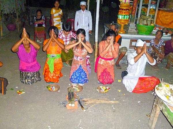 Conversión al hinduismo en Bali