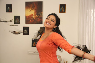 Haripriya Pictures from Vaarayo Vennilave Movie 003.jpg