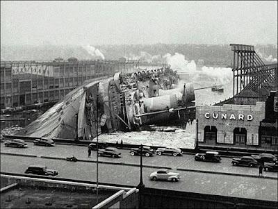 SS Normandie USS Lafayette New York Nueva ardiendo naufragando burning sinking
