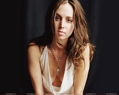 Hollywood Actress Eliza Dushku Wallpaper