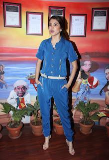 Actress Anushka Sharma Promotes NH10 in Blue Dress at at Red FM  4