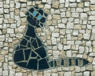 création d'un tableau chat noir aux yeux bleus en mosaïque  ideal pour cadeau de naissance pate de verre marbre  tout l'univers créatif de mimi vermicelle