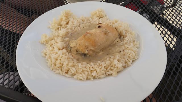 kuřecí kapsa plněná žampiony // chicken breast stuffed with mushrooms