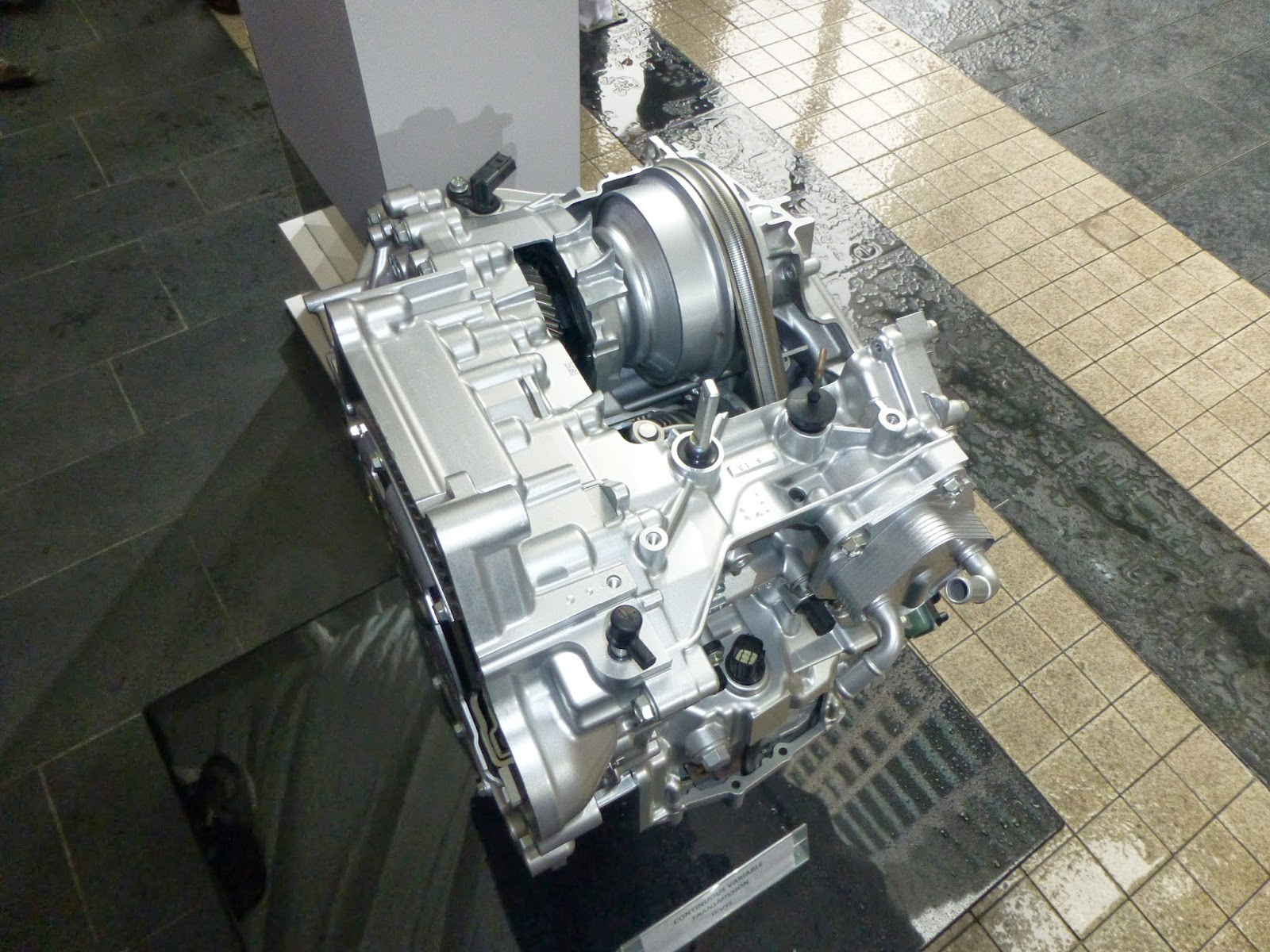 One of the most significant change in the new 4G Honda City is the change  of the gearbox from the 5AT back to the CVT gearbox that was first used in  the ...