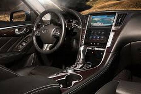 Infiniti Q50 EAU Rouge T Test Drive