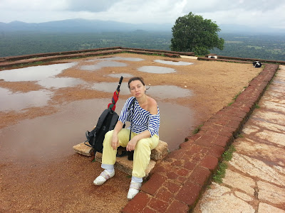 Sigiriya summit, top pyramid platform dimensions, path, white marble pavement, demons-keepers, dogs, yin and yang