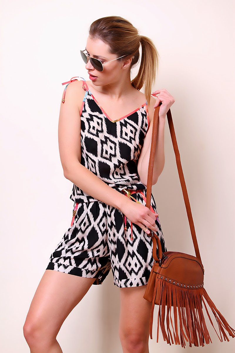 https://www.liquorishonline.com/catalogsearch/result/?q=playsuit