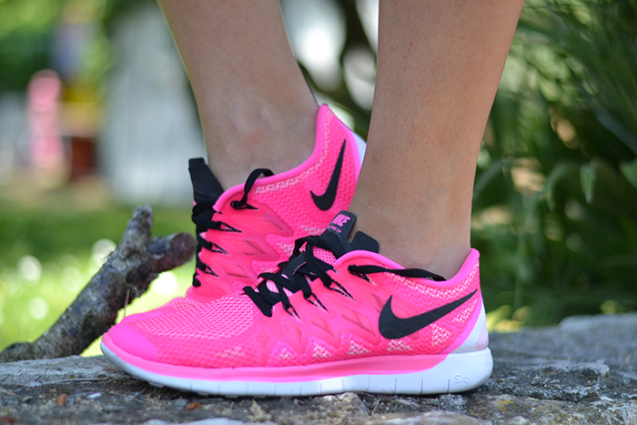 nike rosa fluo