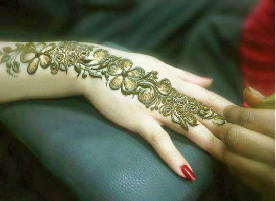 New Simple Mehndi Designs For Hands