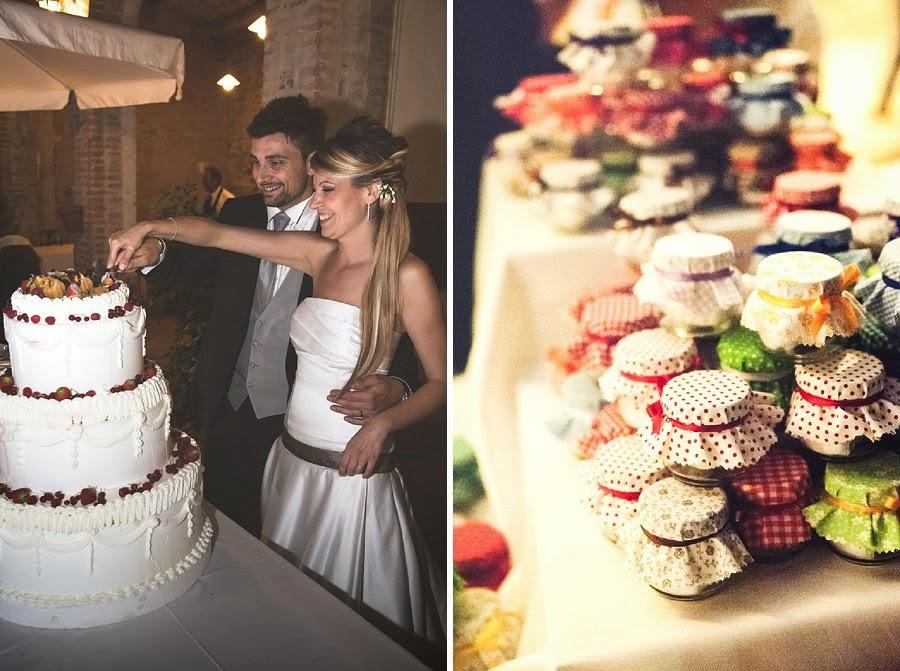Matrimonio in agriturismo, torta e bomboniere artigianali
