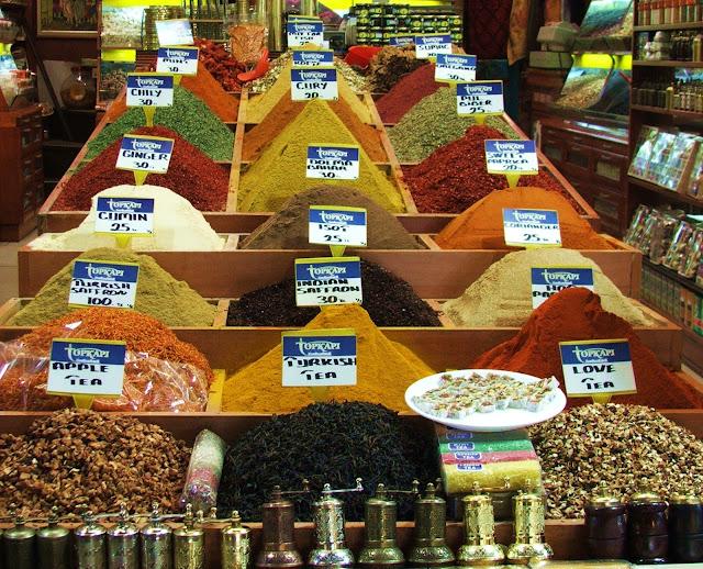 spezie nel bazaar di istanbul
