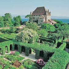 Rincones con encanto francia yvoire for Jardin de los sentidos