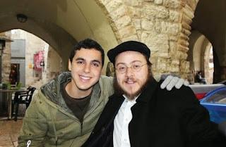 Sean Carmeli, 21, (kiri) seorang warga Amerika Syarikat turut terkorban pada Ahad.