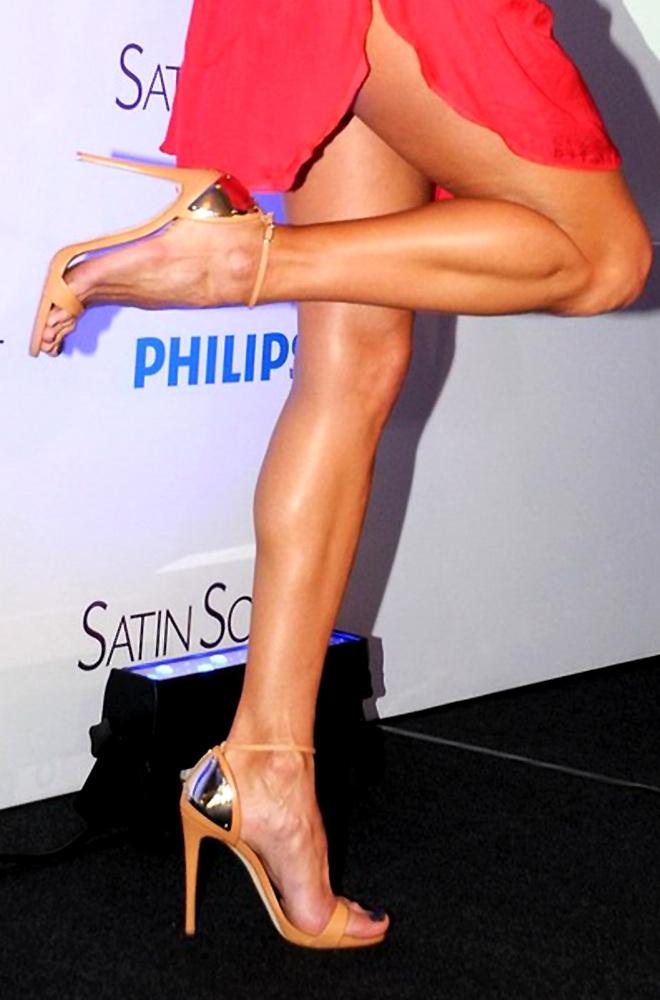 Alessandra Ambrosio calves high heels
