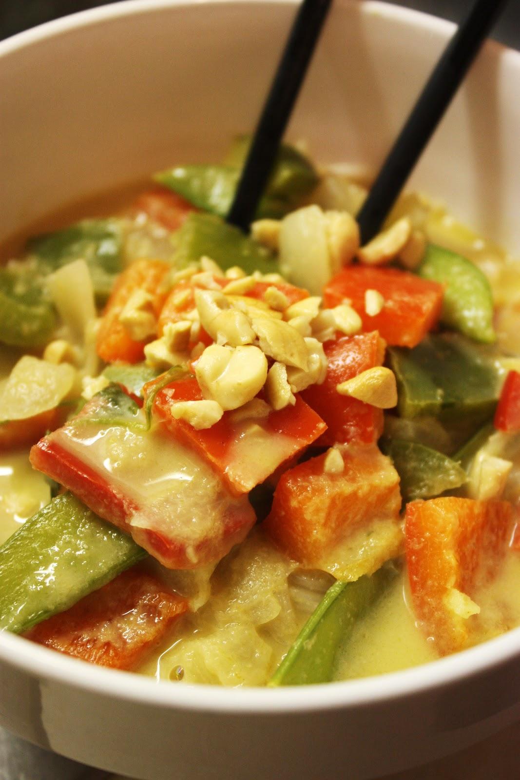 Veganess Eats: Peanut-Thai Green Curry