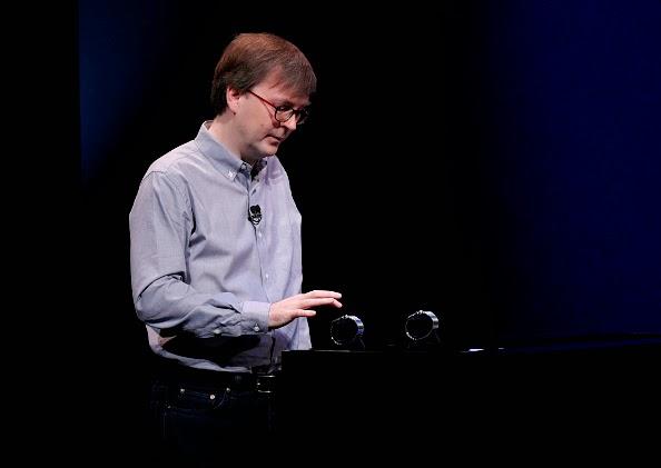 Apple Watch Bisa Telepon & Jadi Kunci Pintu