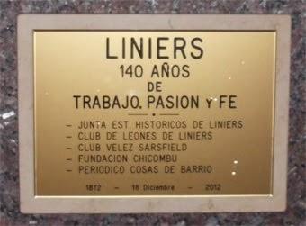 Placa por los 140 años del Barrio de Liniers.