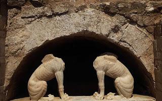 Ανατροπή στα δεδομένα για την Αμφίπολη - Γιατί δεν θα μπορούσε ποτέ ο τάφος να είναι του Μ. Αλεξάνδρου