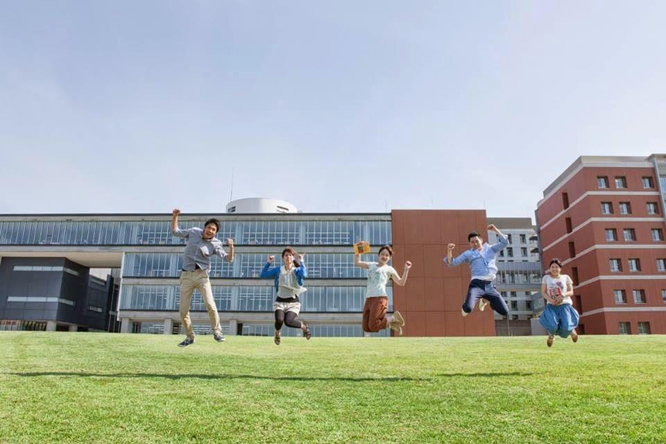 Sinh viên Trường đại học Kanazawa Nhật Bản