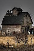 I found this Beautiful Barn on Pinterest