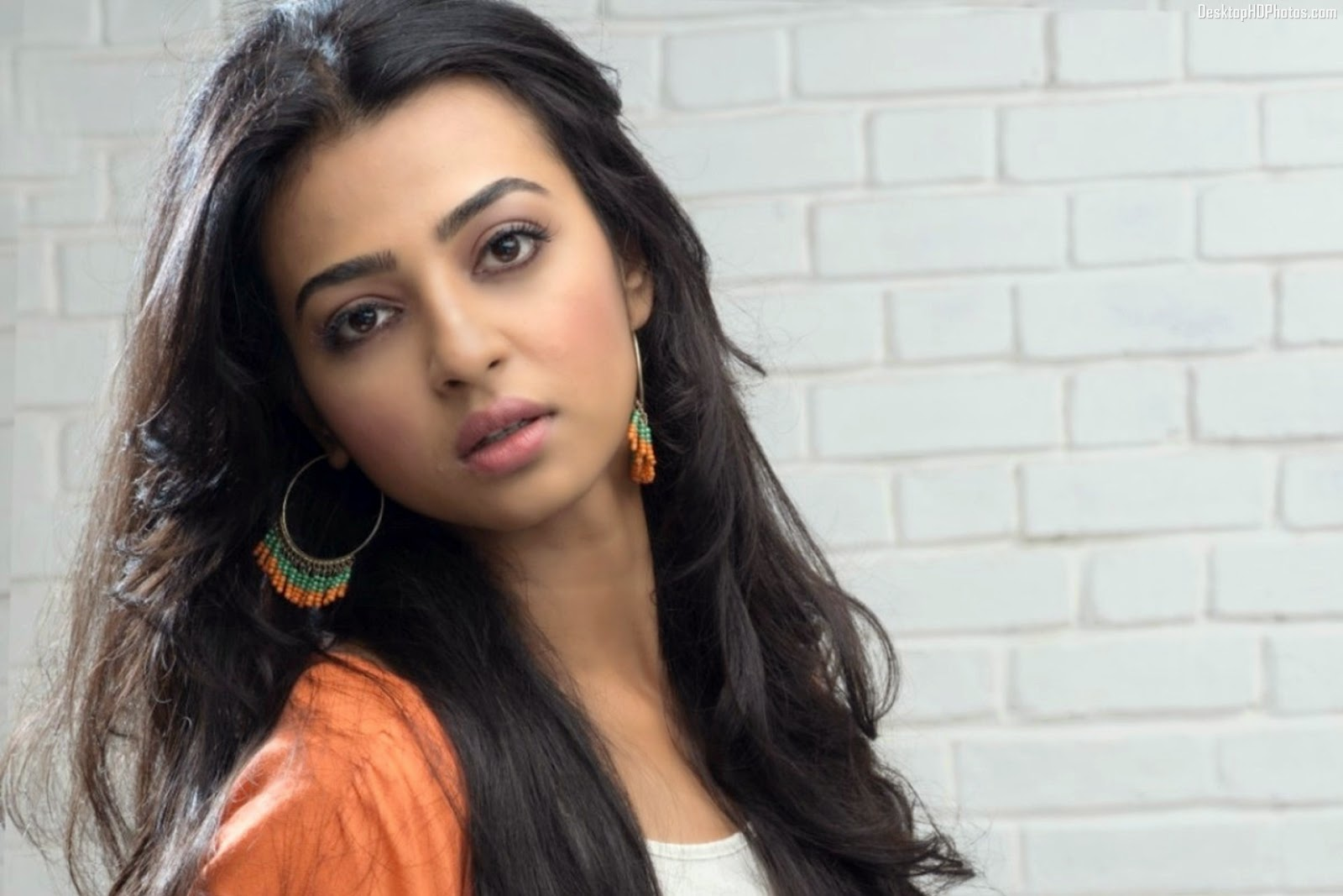 Radhika Apte Wallpapers