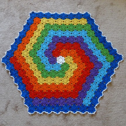 Making a snowflake cloth (Rainbow project) - Free Pattern