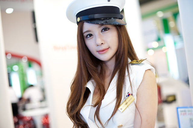 1 Lee Yeon Ah at SIDEX 2012-very cute asian girl-girlcute4u.blogspot.com