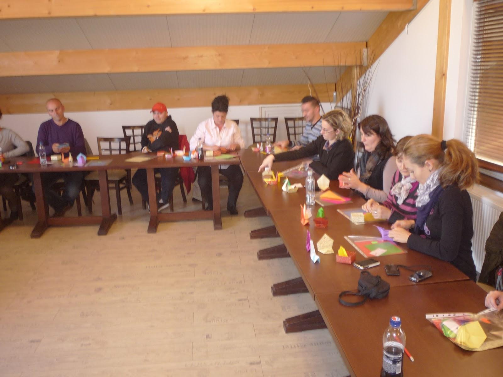 Cursuri Origami: Team building la Henkel România - photo#15