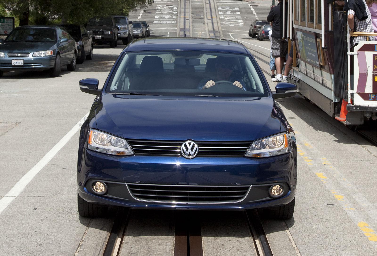 http://2.bp.blogspot.com/-cz0e67QdydM/T-N4wVoA_LI/AAAAAAAAD1U/MWhjbR7Yvjc/s1600/Volkswagen+Jetta+SE+Hd+Wallpapers+2011_2.jpg