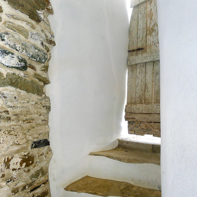 Tinos island - the round button blog