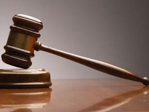 Juez y Abogada = Enamorados
