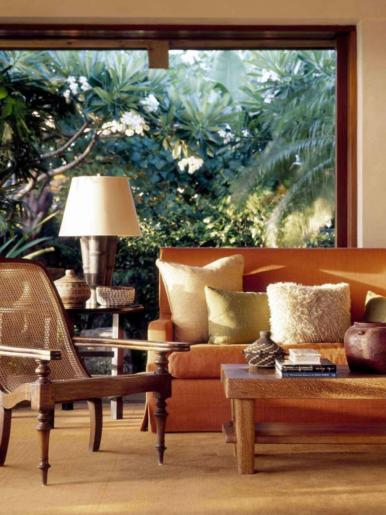 Tropical Courtyard House Furniture