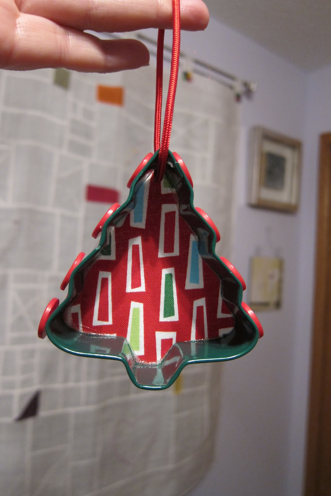 The constant crafter cookie cutter ornament project