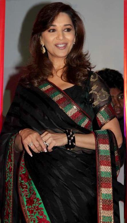 Latest Beautyful Unseen Madhuri Dixit in Cool Saree Bikini