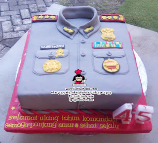 Baju Polisi 3d Cake