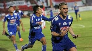 Arema Juara Tiga Piala Presiden 2015