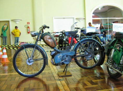 Old Motorcycle - Moto Antiga