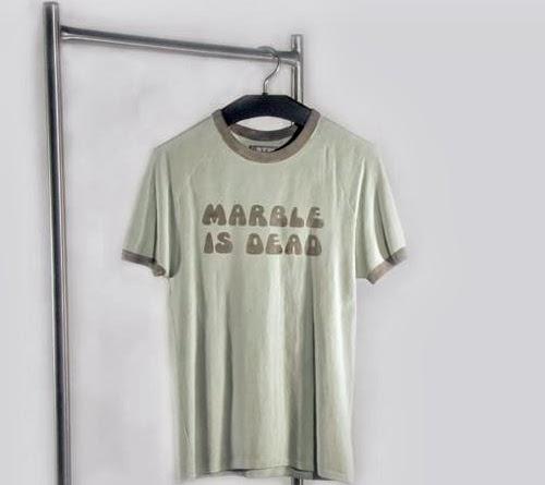 11-Tshirt-5-Australian-Sculptor-Alex-Seton-www-designstack-co