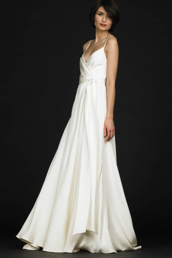 7 simple wedding dresses beautifull white wedding gown for White simple wedding dress
