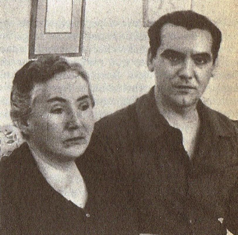 Lorca y su madre en 1935