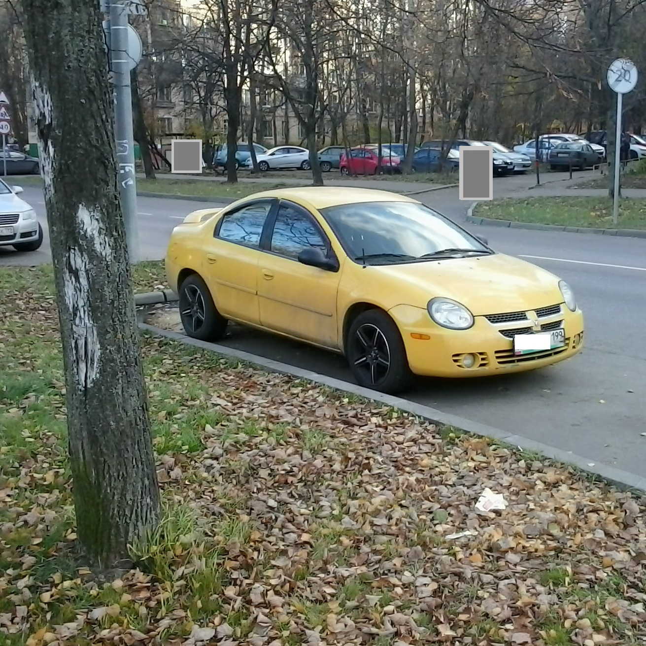 Spotted...cars in Moscow: 2003 Dodge Neon