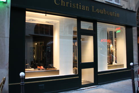 christian louboutin rue jean-jacques rousseau paris france
