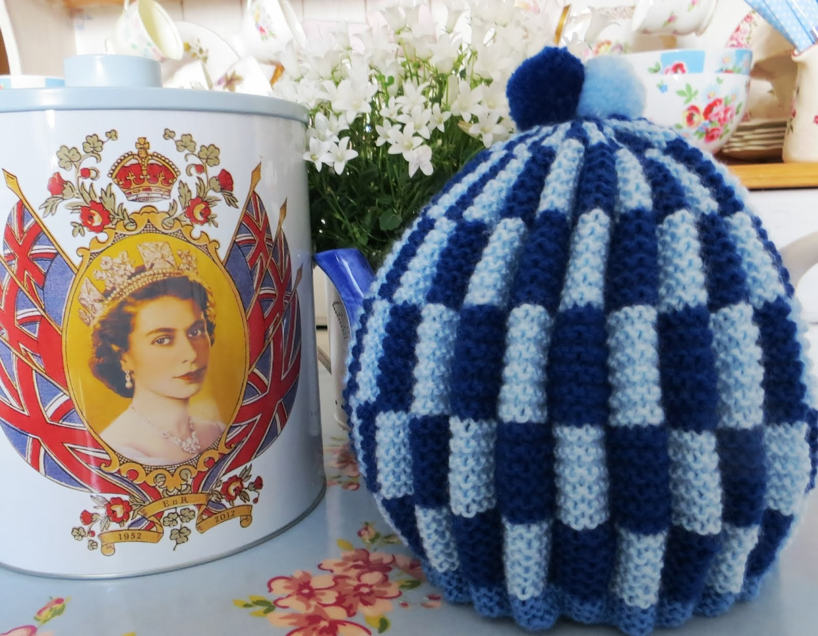 I love knitting tea cosies!