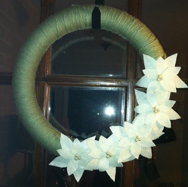 DIY Christmas Wreaths {rainonatinroof.com} #Christmas #wreath #DIY #crafts
