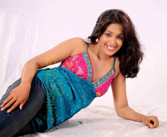 Lankan super models krishani  short drees pictures, krishani facebook