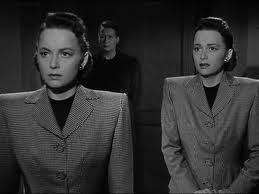 a través del espejo 1946