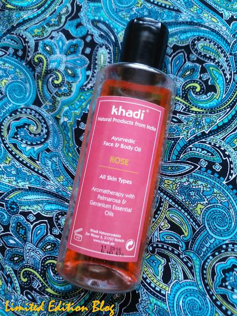KHADI - MOC ZAKLĘTA W OLEJKACH / Ajuwerdyjski olejek do twarzy i ciała z różą