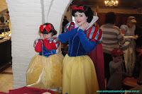 Menina com Branca de Neve, Disney