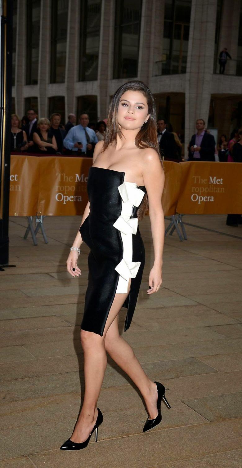 Selena Gomez Gorgeous Photos at American Ballet Theatre 2014 Opening Night Spring Gala