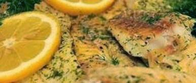 Pescado frito al limón con arroz